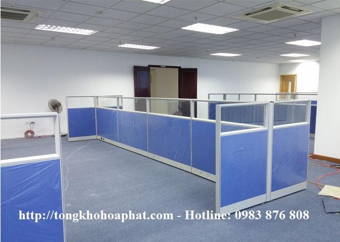 Vách ngăn khung nhôm nỉ kính có hộp kỹ thuật VNH45-05
