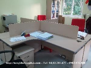 Thi công vách ngăn gỗ trên mặt bàn kiểu dáng thanh lịch mã VNG09